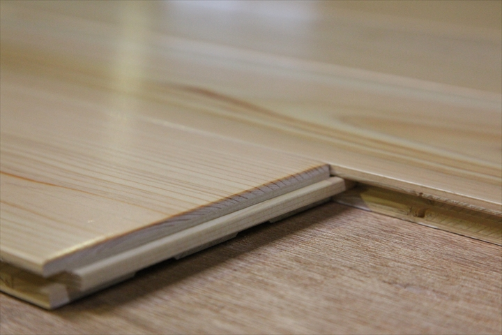 桧床暖房フローリング エンドマッチ加工
